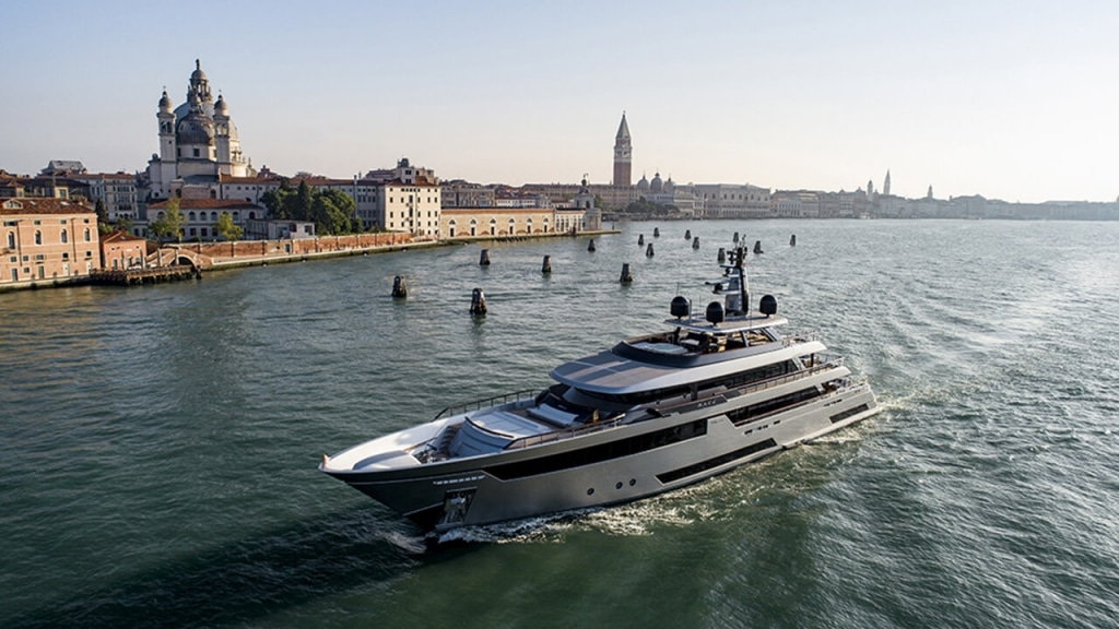 M/Y Race | A+ Yachting